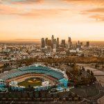 Stadium met L.A. op de achtergrond.